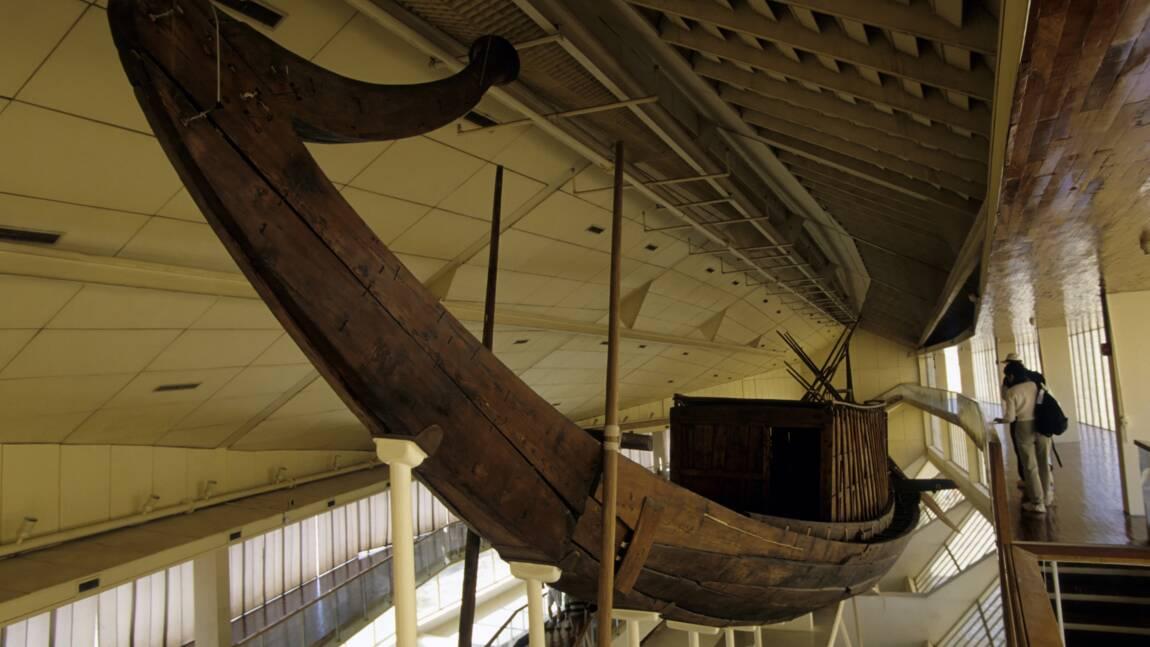 Egypte : la barque solaire de Khéops transportée au Grand musée