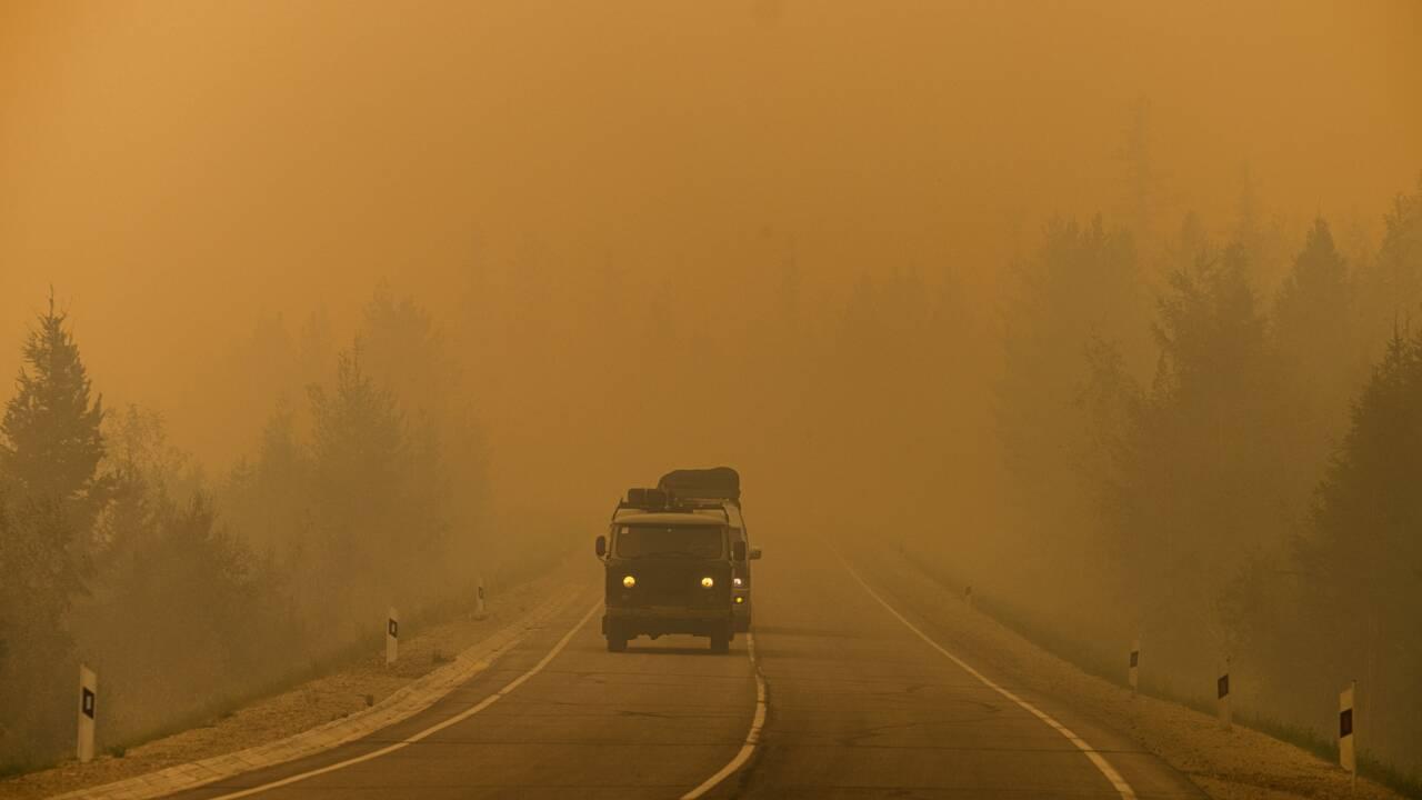 """Russie: Poutine s'inquiète de catastrophes naturelles d'une ampleur """"sans précédent"""""""
