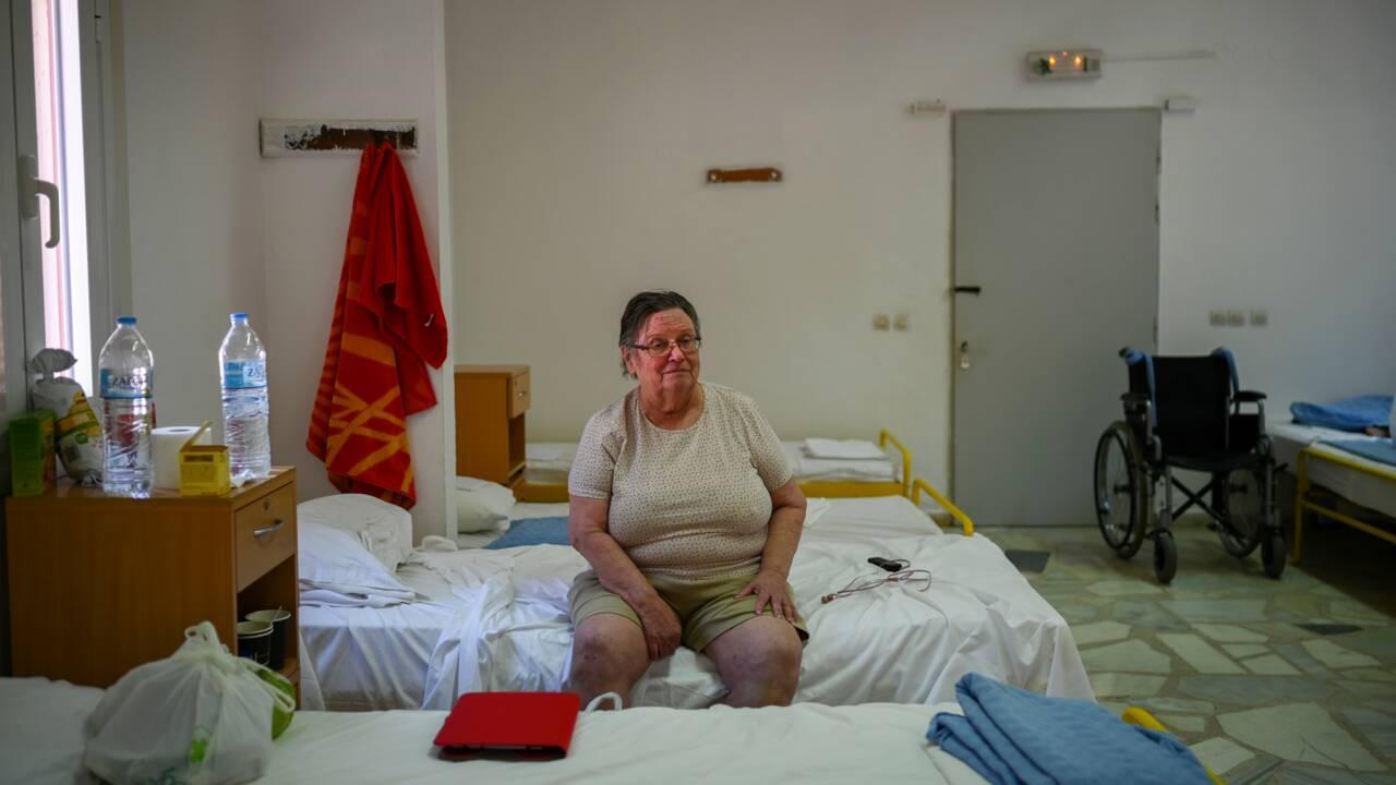 A quand le retour chez soi? l'incertitude de réfugiés du feu en Grèce