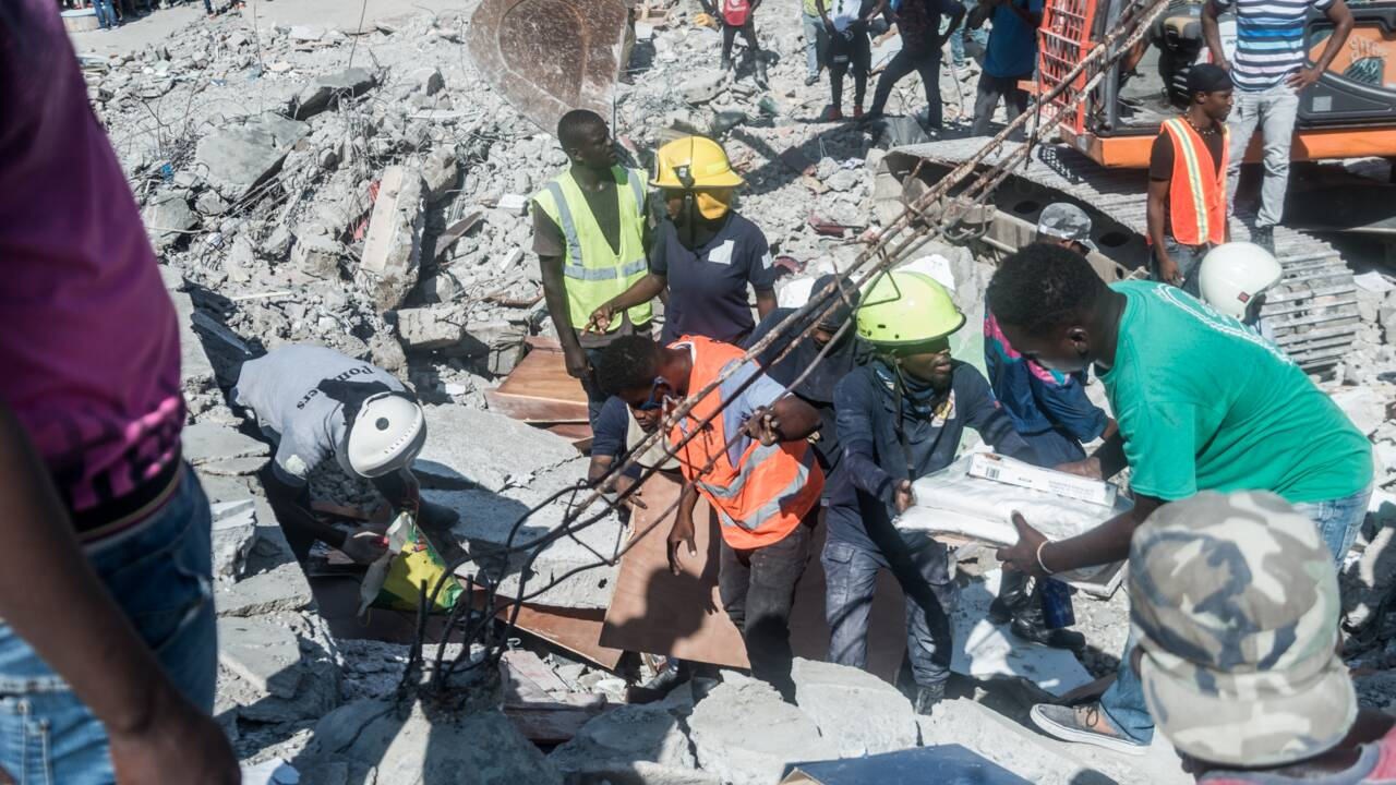 Haïti déplore un bilan dramatique de 1.300 morts après un puissant séisme