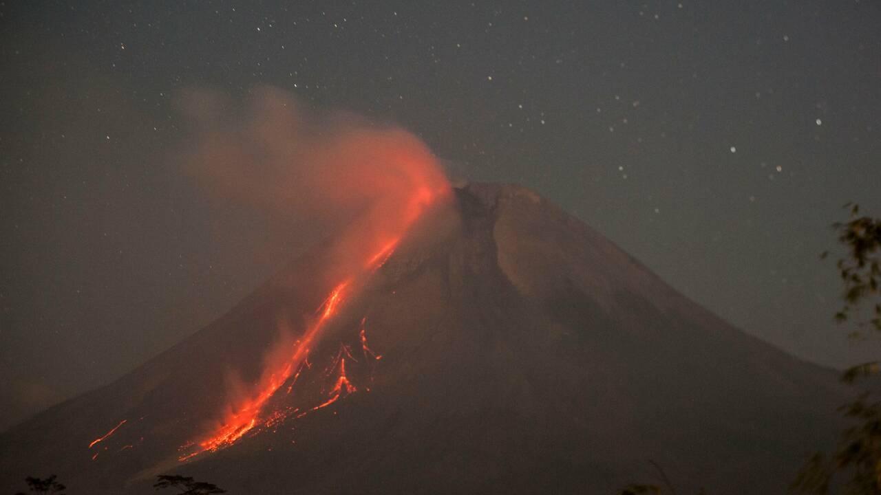 Indonésie : éruption du volcan Merapi, des villages couverts de cendres
