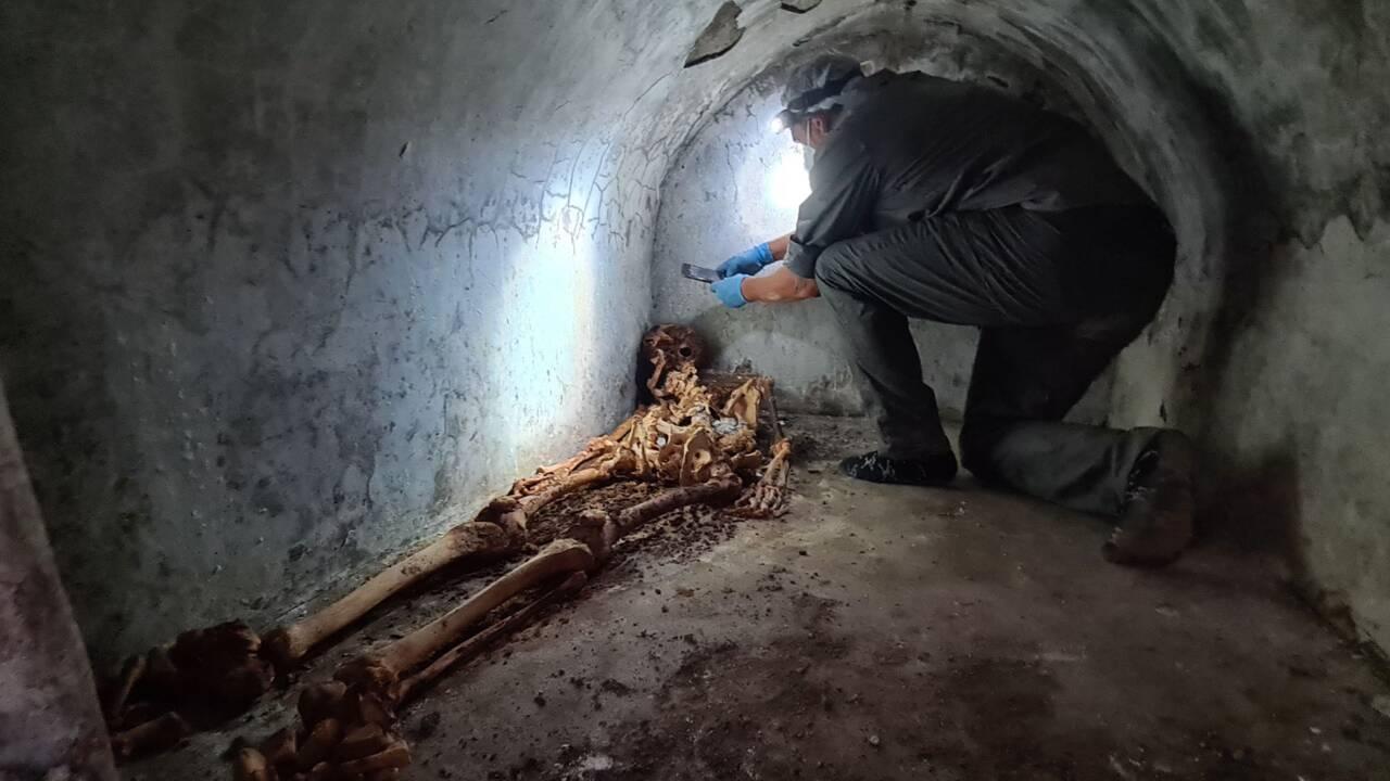 Les restes bien préservés d'un ancien esclave mis au jour dans une nécropole à Pompéi