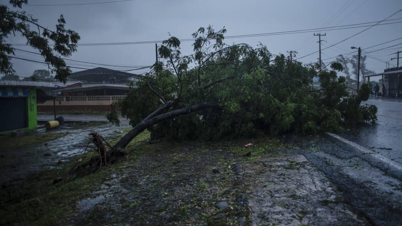 L'ouragan Grace rétrogradé en tempête tropicale en touchant terre au Mexique