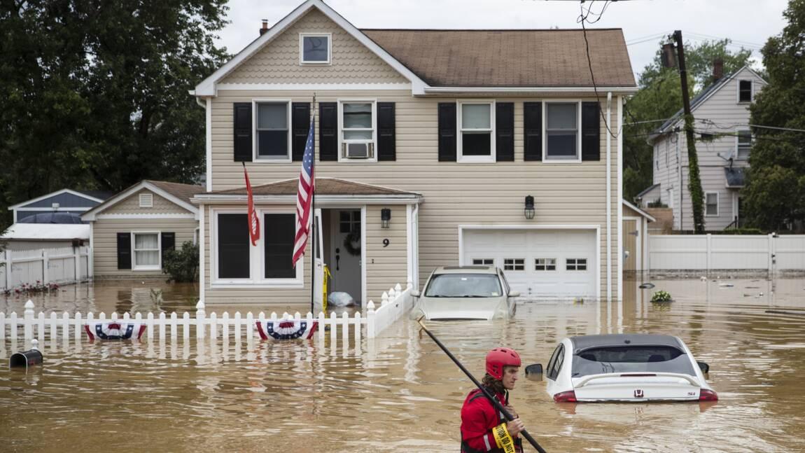Dans l'est des Etats-Unis, la tempête Henri perd de sa force