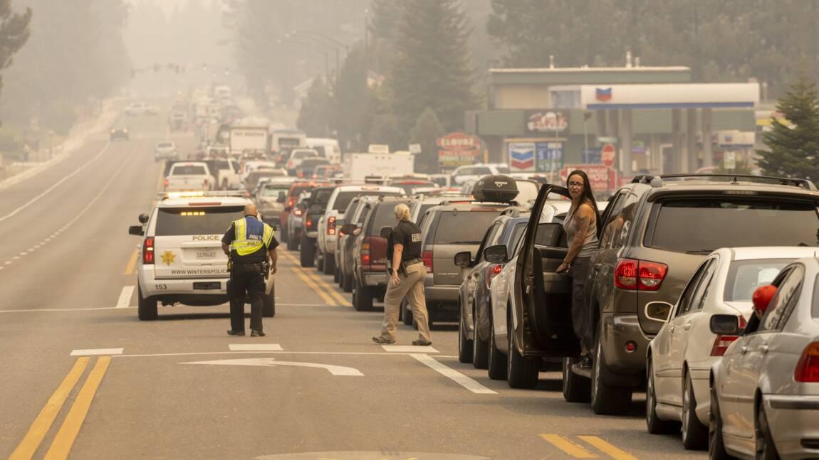 Californie: des milliers d'évacués dans une zone touristique menacée par les flammes