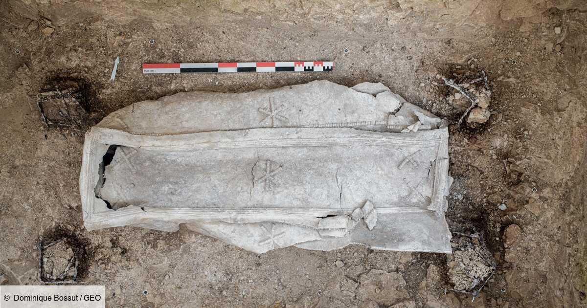A Arras, deux nouveaux sarcophages découverts dans une nécropole antique