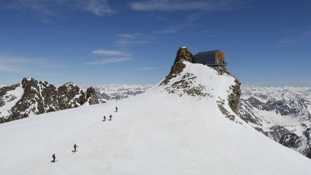 Alpes : ce refuge mythique du massif des Ecrins recherche son nouveau gardien