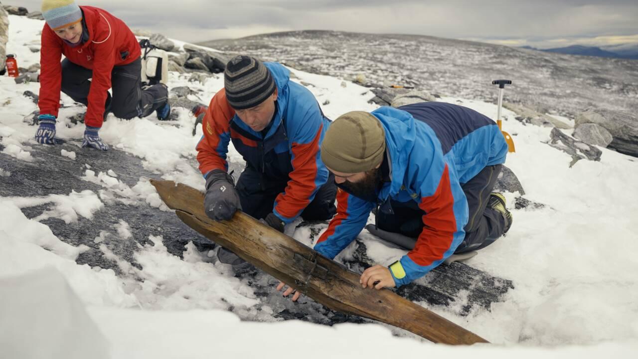 Une paire de skis de 1300 ans retrouvée très bien préservée dans une montagne de Norvège