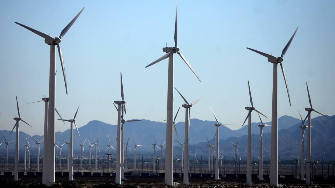 """La transition énergétique est """"trop lente"""", """"sérieux avertissement"""" pour le monde"""