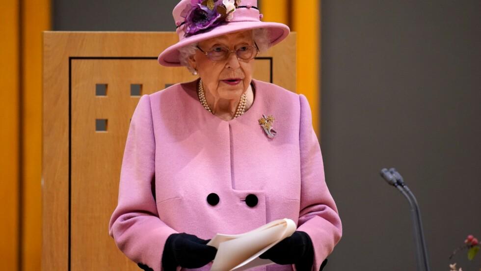 """COP26: la reine Elizabeth II irritée par ceux """"qui parlent, mais n'agissent pas"""" pour le climat"""