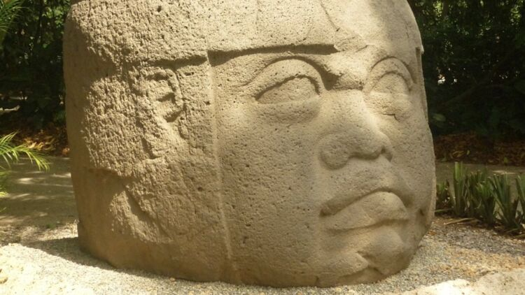 Sculpture olmèque