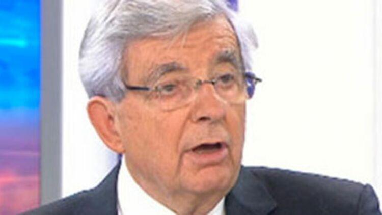 Jean-Pierre Chevènement annonce sa candidature à l'élection présidentielle de 2012 au JT de France 2, le 5 novembre 2011. © REUTERS.