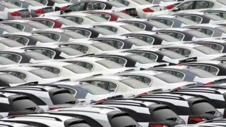 Les immatriculations de voitures neuves ont chuté de 14,4% sur le premier semestre 2012. © REUTERS.