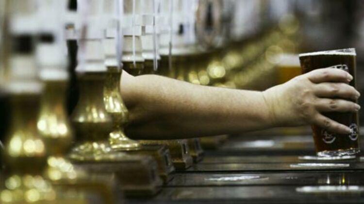 S'abstenir d'alcool deux jours par semaine prouve qu'il n'y a pas d'addiction, selon le collège royal de médecine de Londres © REUTERS