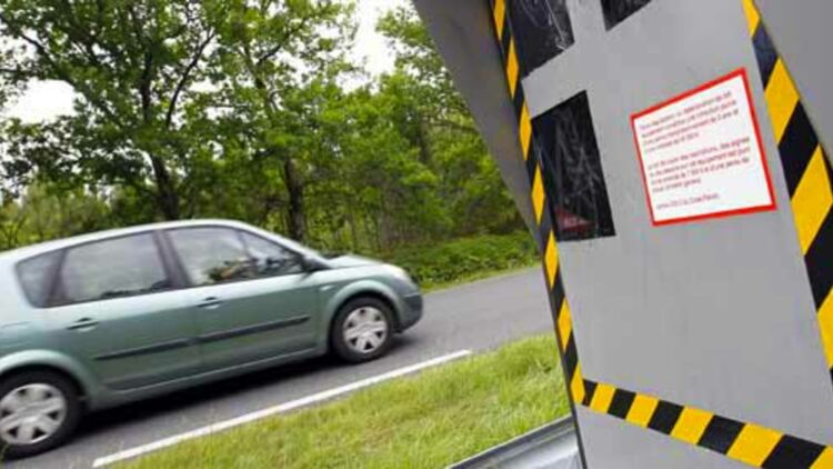 Depuis le 5 janvier 2012, les avertisseurs de radars sont interdits. © REUTERS.