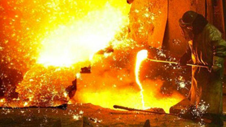 L'activité des hauts-fourneaux P3 et P6 devait reprendre au second trimestre 2012. Mais, mercredi 15 février, la direction a annoncé la prolongation de la mise en veille du site. © REUTERS.