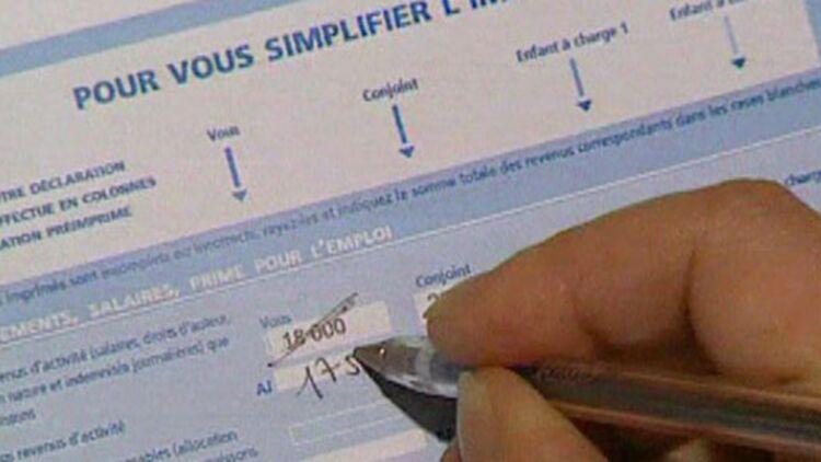 Les Français qui deviennent imposables perdront un certain nombre d'avantages versés par les collectivités locales. ® REUTERS.