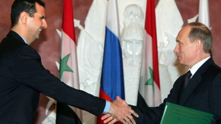 En 2006, Bachar al-Assad rencontrait le président Vladimir Poutine au Kremlin, un de ses soutiens sur la scène internationale. © REUTERS.