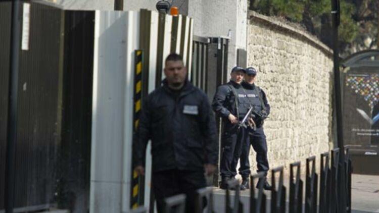 Abdelkader Merah, le grand frère de Mohamed Merah, mort jeudi lors d'un assaut du RAID à Toulouse, interrogé par la DCRI, à Paris, le 24 mars 2012. © REUTERS