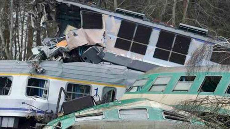 Une collision entre deux trains a fait 15 morts et une soixantaine de blessés en Pologne. © REUTERS.