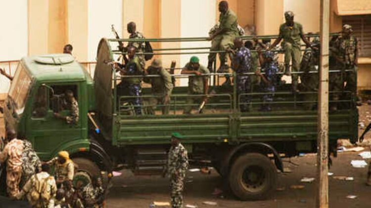 Des militaires au Mali © Reuters