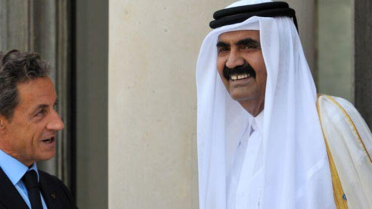 """Nicolas Sarkozy accueille l'émir du Qatar à l'Elysée à l'occasion de la conférence des """"amis de la Libye"""", le 1er septembre 2011. © REUTERS"""