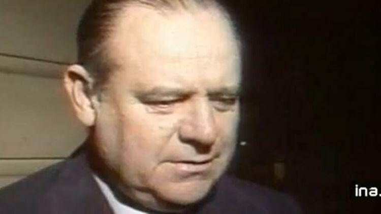 Raymond Barre réagit à l'attentat de la rue de Copernic, le 3 octobre 1980. © Capture écran Ina.