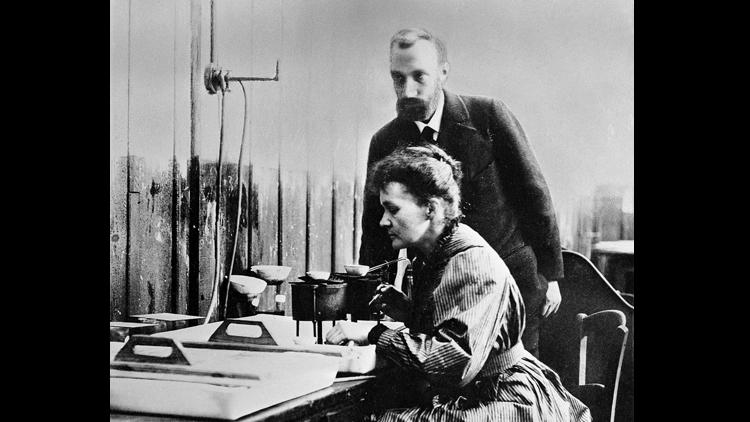 Pierre et Marie Curie, radioactivité