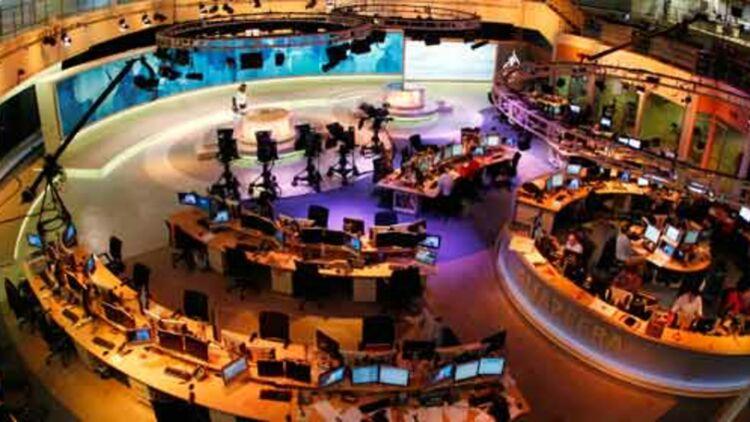 La rédaction d'al-Jazeera à Doha, au Qatar, en février 2011. © REUTERS