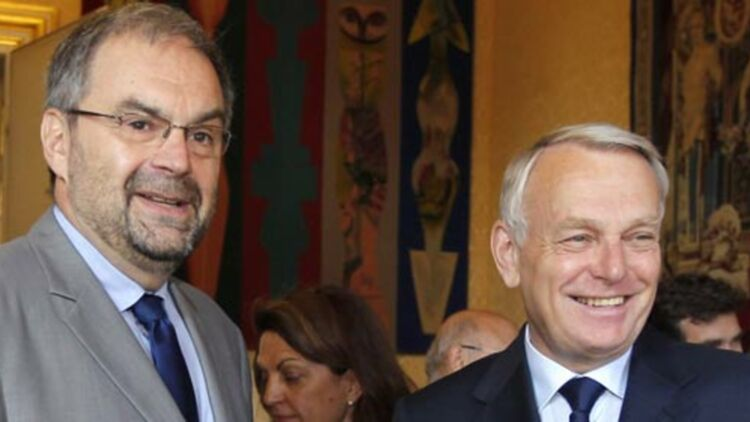 Jean-Marc Ayrault pose avec François Chérèque à Matignon, le 29 mai 2012. ©REUTERS