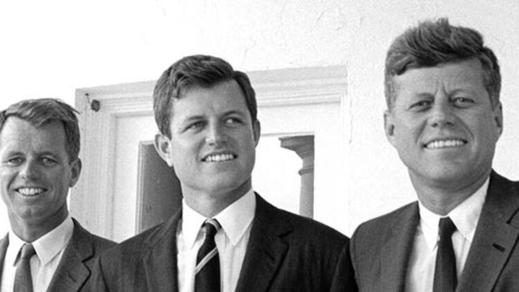 De gauche à droite : Robert, Edward et John F. Kennedy. © REUTERS