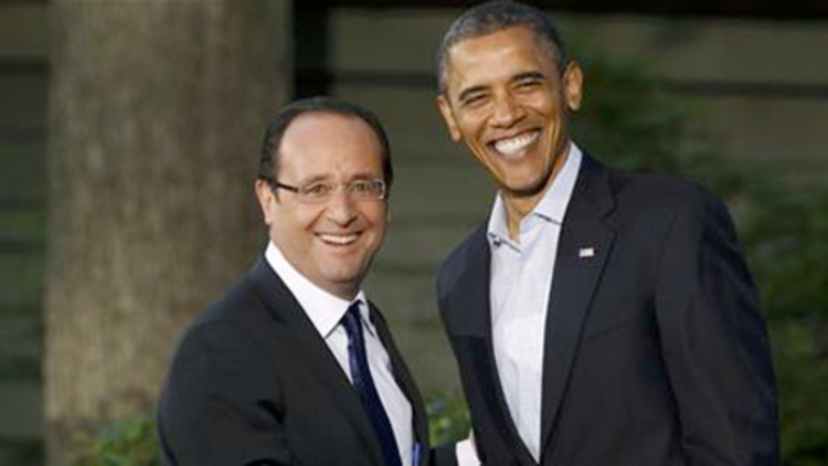Barack Obama accueille Francois Hollande au sommet du G8 à Camp David (Maryland) le 18 mai 2012 REUTERS