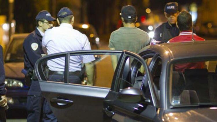 Les Arabes auraient 8 fois plus de chance de subir des contrôles d'identité de police, selon une étude du CNRS. © REUTERS
