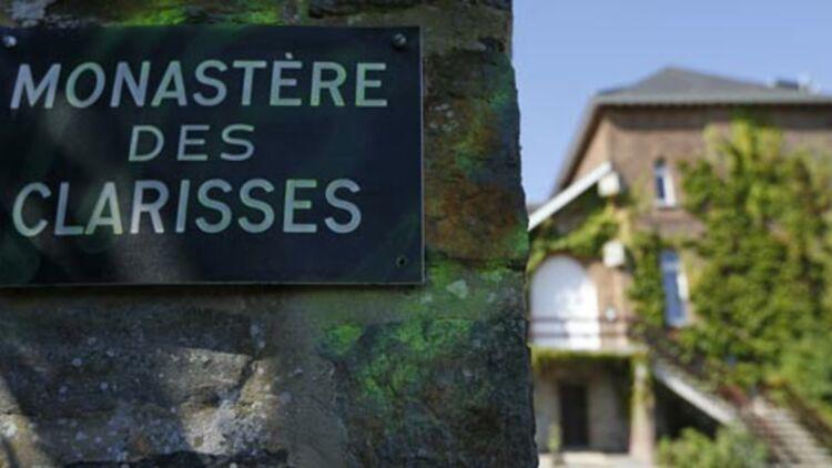 Entrée du couvent des Clarisses, où est arrivée mardi 28 août 2012 la complice du meurtrier pédophile Marc Dutroux, libérée sous condition. © REUTERS