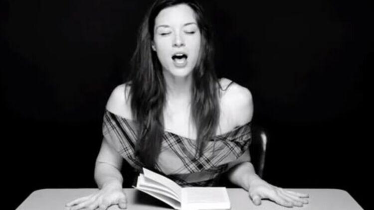 capture d'écran d'une vidéo de littérature hystérique, par Clayton Cubitt, via Youtube