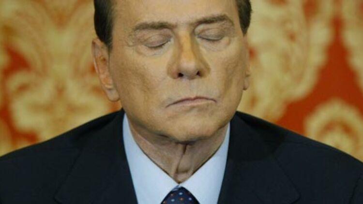 Silvio Berlusconi lors d'une conférence de presse près de Milan, le 27 octobre 2012, après sa condamnation pour fraude fiscale dans l'affaire Mediaset par le tribunal de Milan la veille. ©REUTERS