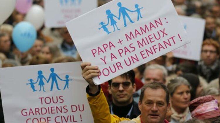 Manifestation contre le projet de loi sur le mariage homosexuel à Paris, le samedi 17 novembre 2012. © REUTERS