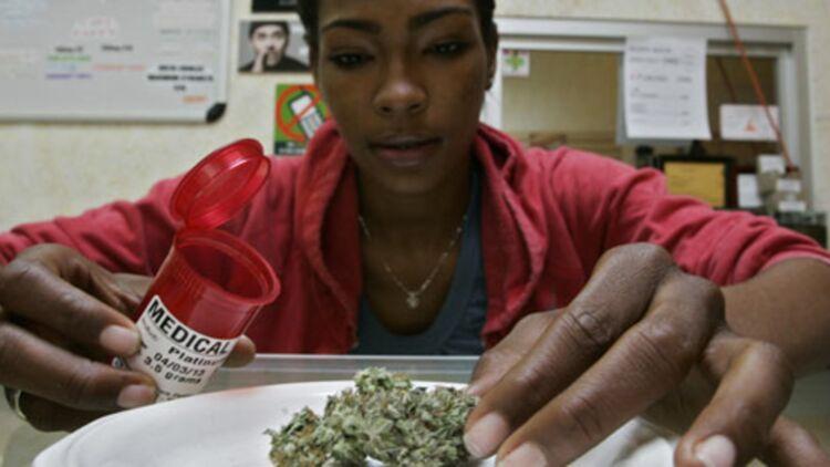 dispensaire de cannabis à usage thérapeutique à Los Angeles, le 6 février 2013. © REUTERS