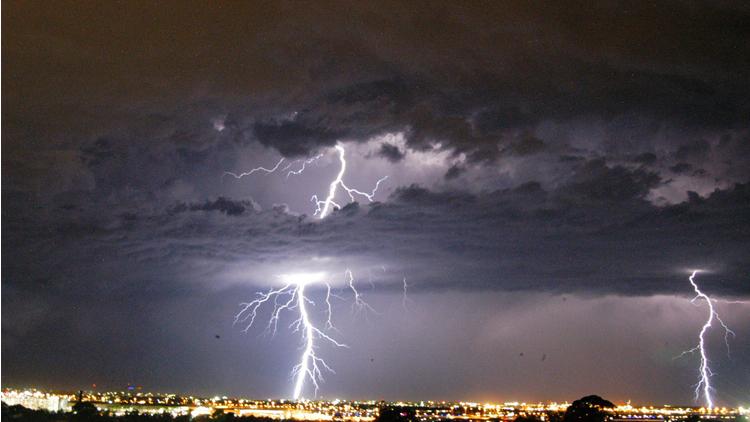 éclair, orage, smartphone