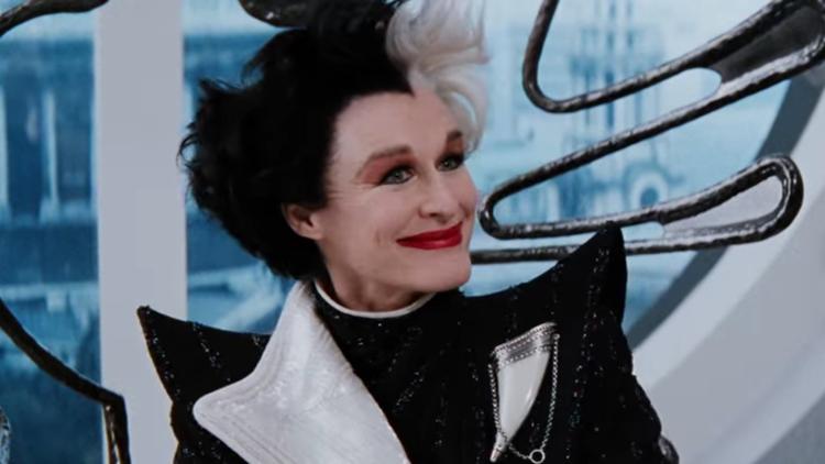 Cruella, cheveux blancs