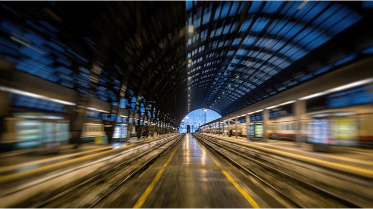 Gare, train, annonces sonores
