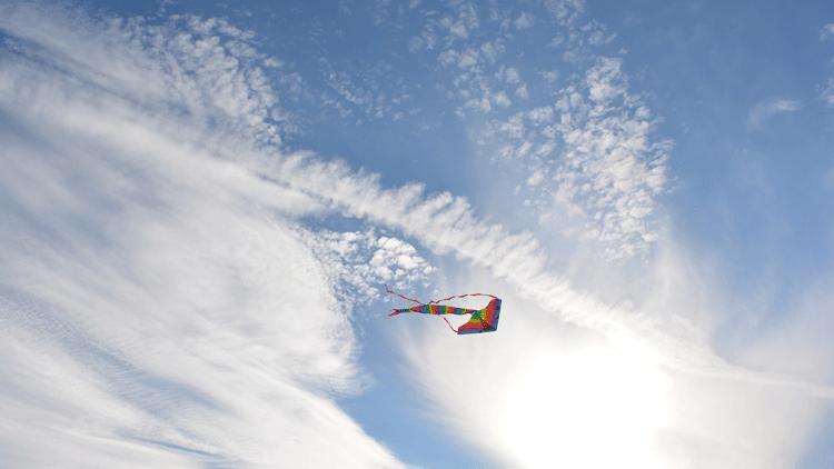 Cerf-volant, ciel, nuages