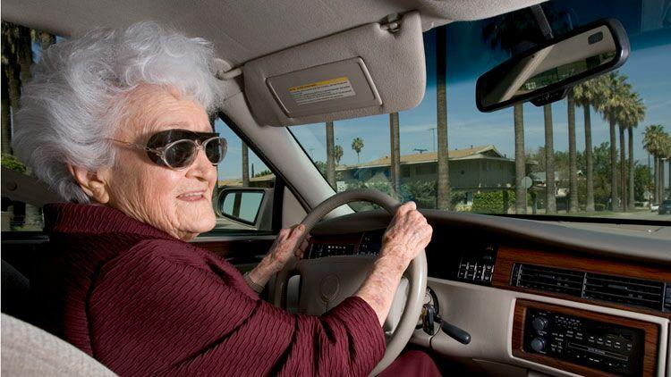 mamie, conduire voiture