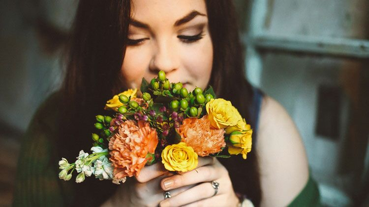 odeur, odorat, olfaction, sentir, fleurs, bouquet, nez