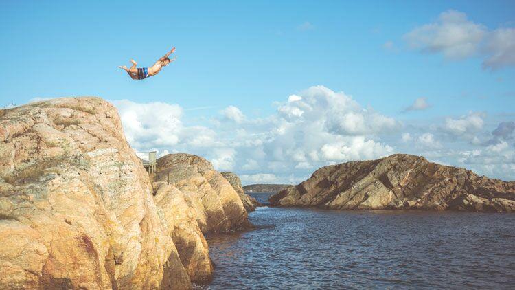 comportement à risques, goût du risque, saut de l'ange, mer
