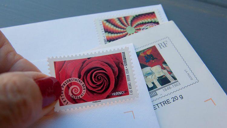 timbre, coller, carte postale