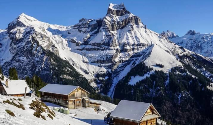 Pendant la canicule, un petit lac s'est formé à 3000 m d'altitude dans le massif du Mont-Blanc