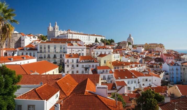 VIDÉO - Découvrez la plage voûtée de Benagil, au Portugal