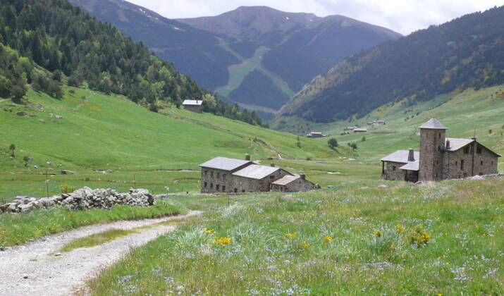 Une station d'Andorre inaugure un mirador solaire perché à 2700 mètres d'altitude