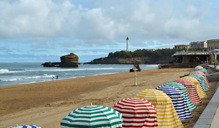 La France accueille les Mondiaux de surf à Biarritz